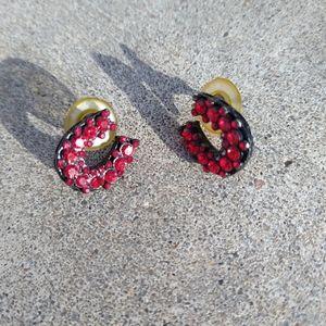 4/$10- Horseshoe Red Rhinestone Earrings